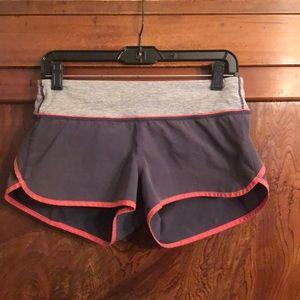 "Lululemon gray/orange trim short sz 6 2.5"" inseam"